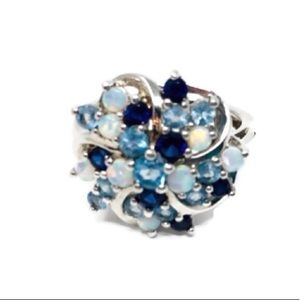 Jewelry - 💕70% OFF💕 Sparkling Cluster Style Gemstone Ring